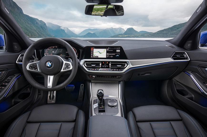 BMW radu 3 interiér