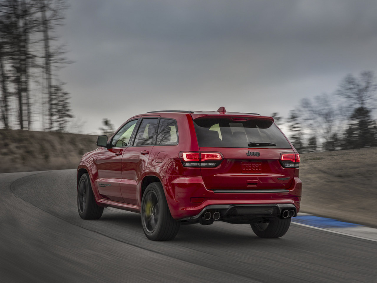 jeep_grand_cherokee_trackhawk