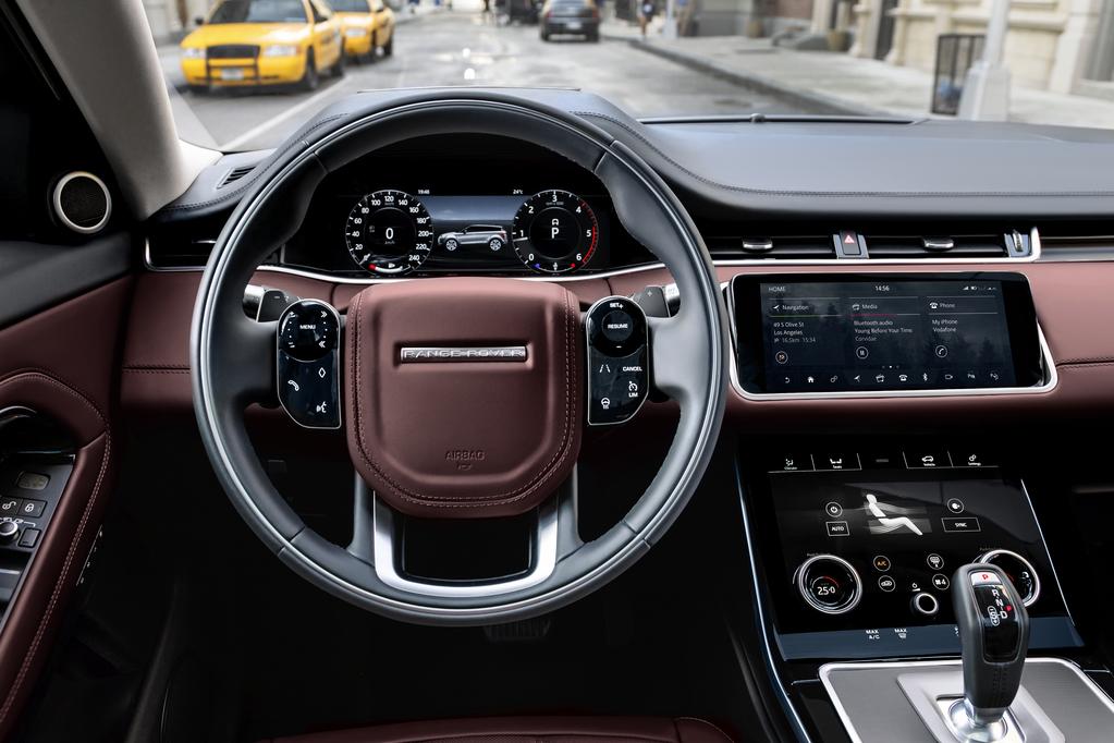 Druhá novinka je Ground View, tá je schopná zobrazovať nielen klasický 360° pohľad na okolie, ale dokonca aj na priestor pod autom. Premieta zábery z fotoaparátu na hornú dotykovú obrazovku, aby vodičovi zobrazila 180-stupňový pohľad pod prednou časťou vozidla