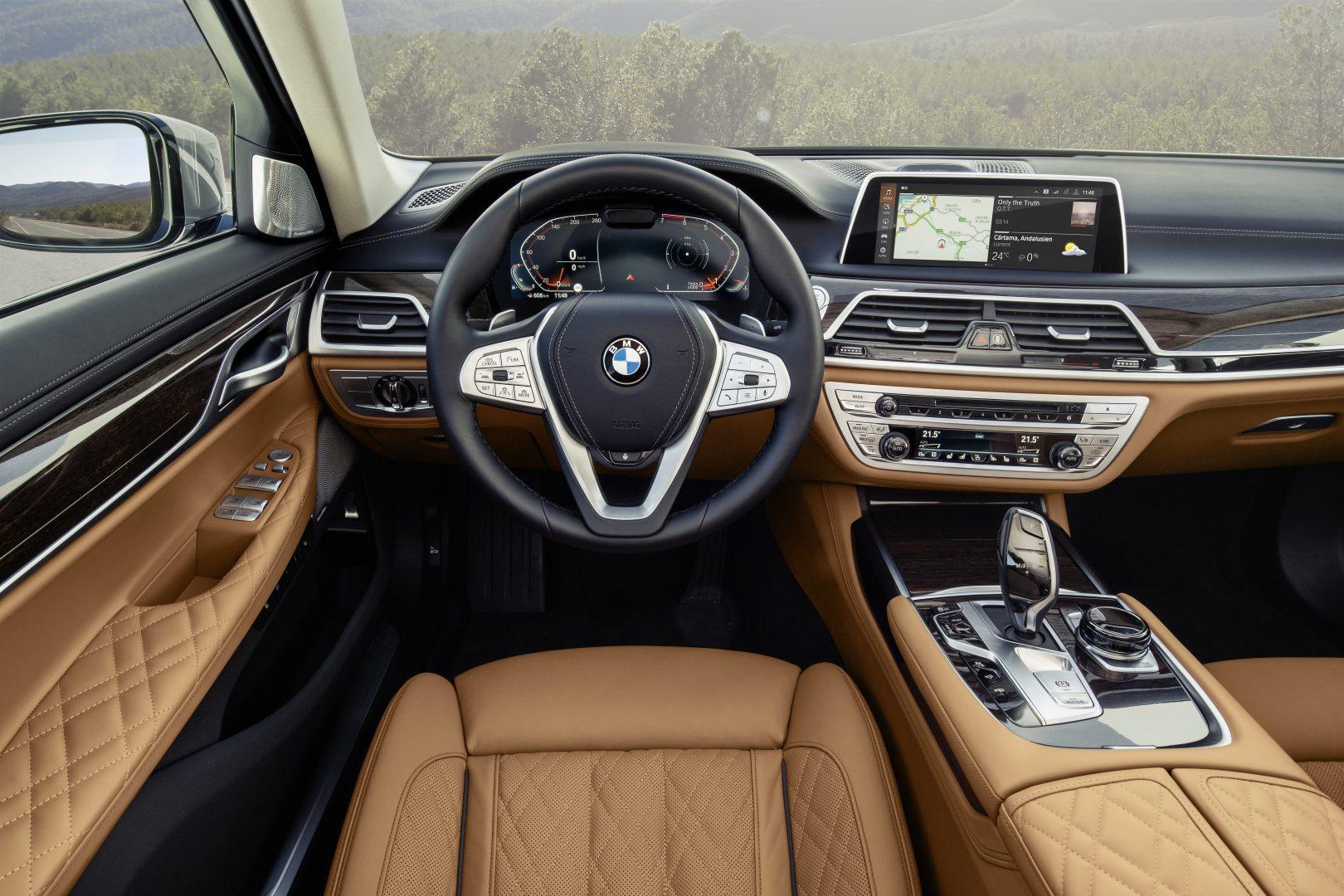 BMW_7_podlahanews_interior