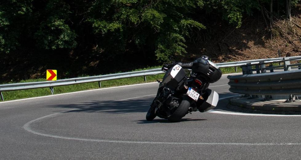 turiska moto test testy motocyklov turistickych enduro pezinska baba triumph tiger sport 1050 2016 2017 2018 2019 kufre