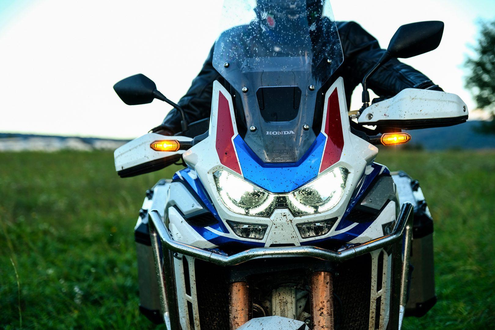 honda africa twin adventure sports test recenzia recenze foto Fotky led svetla testy motocyklov enduro