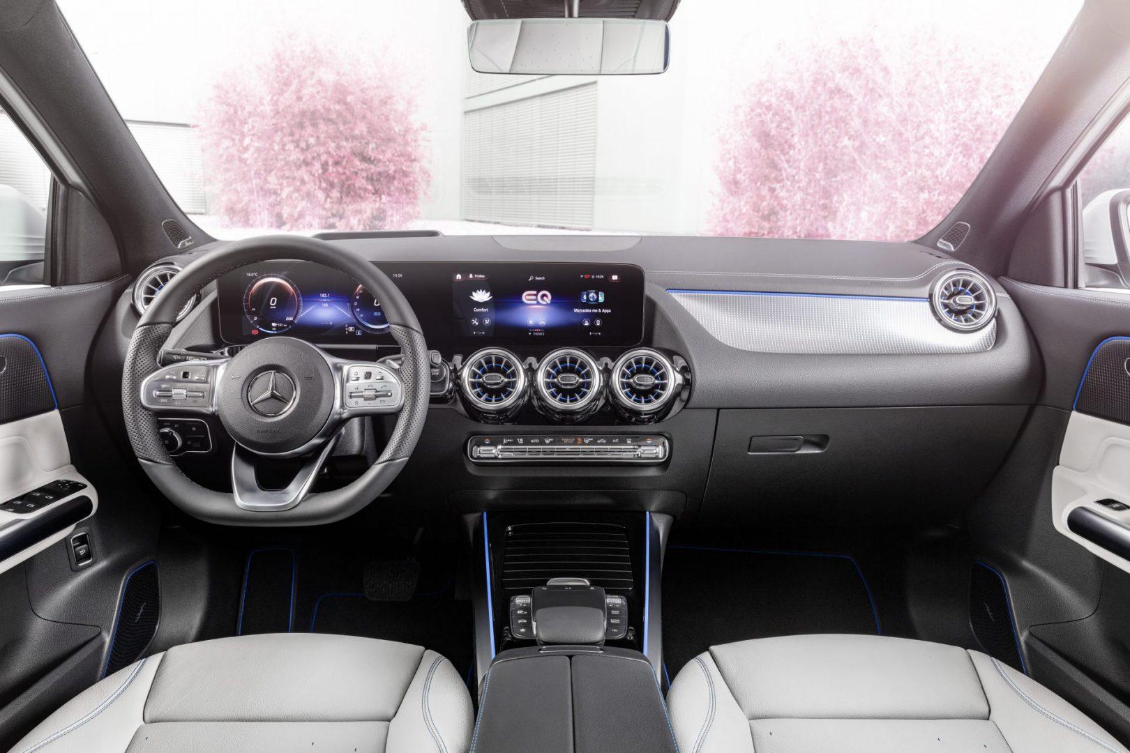 Mercedes EQA interiér