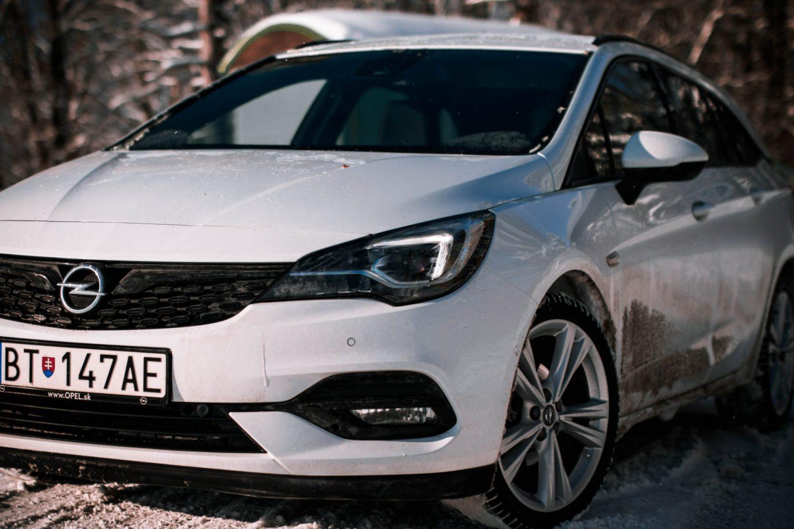 Opel Astra Combi exteriér
