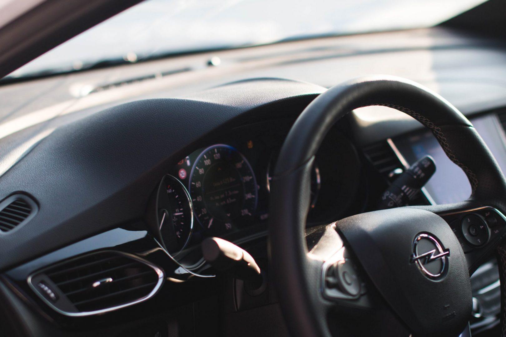 Opel Astra Combi interiér