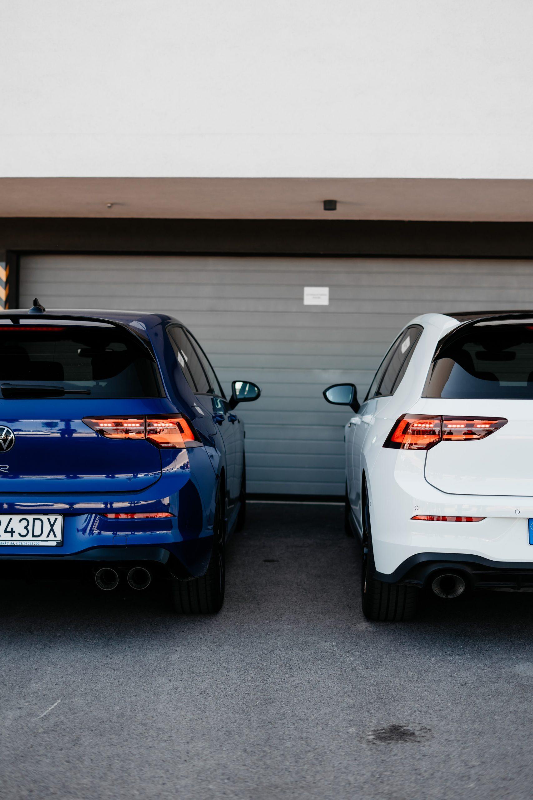 R vs. Golf GTI Clubsport